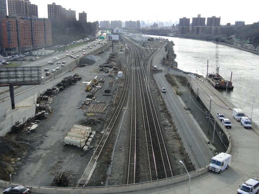 railroad tracks looking south bx side 520