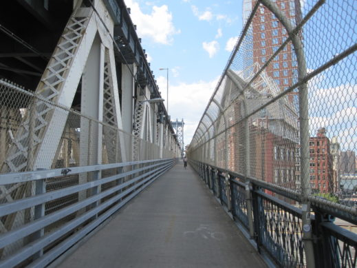 manhattan bridge path